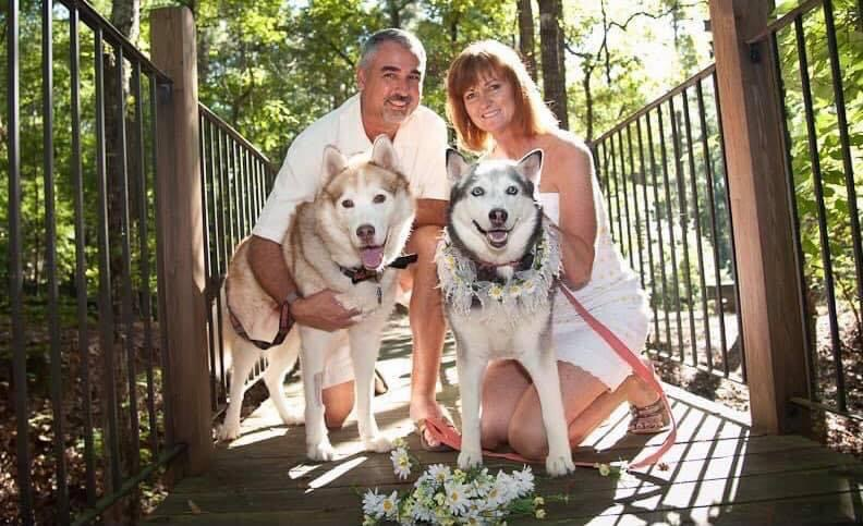 Veronica and Randy and their huskies